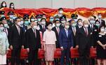 Carrie Lam (ao centro) durante cerimônia dos 23 anos de devolução de Hong Kong pelo Reino Unido à China, que coincide com o primeiro dia de vigência da nova Lei de Segurança Nacional de Hong Kong