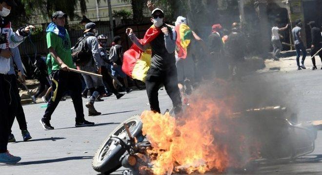 Os resultados das eleições foram recebidos com protestos por parte da oposição