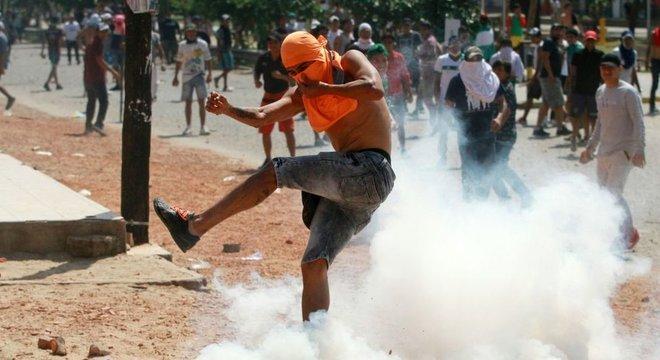 Desde as eleições, tem havido manifestações contra e a favor do governo