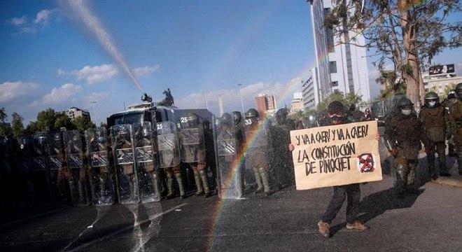 Protestos tomaram as ruas de Santiago