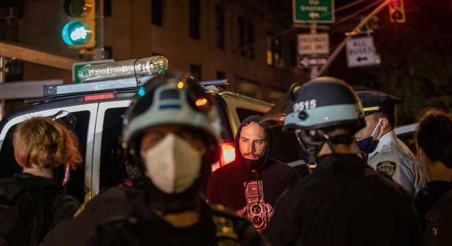 Homem detido durante manifestação em Nova York