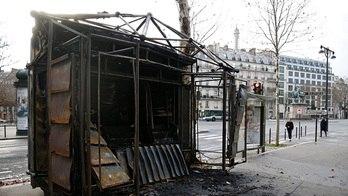 __França contabiliza estragos após protestos dos 'coletes amarelos'__ (Reprodução)