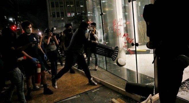 FBI não achou ligações de antifas com violência do último domingo
