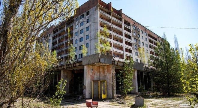 Os arredores da usina nuclear de Chernobyl permanecem abandonados