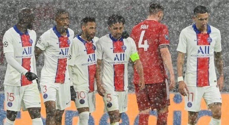 O PSG, debaixo de neve, supera o Bayern na Allianz Arena