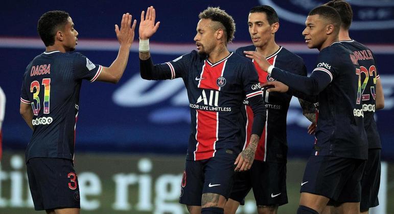 Time da capital não teve piedade do Reims e goleou por 4 a 0