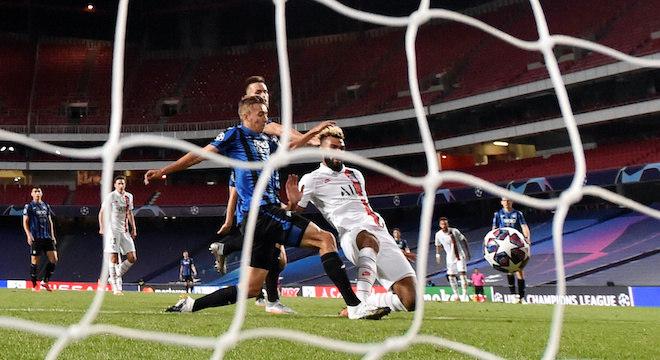 O gol da virada do PSG. ChoupoMoting. Após passe genial de Neymar