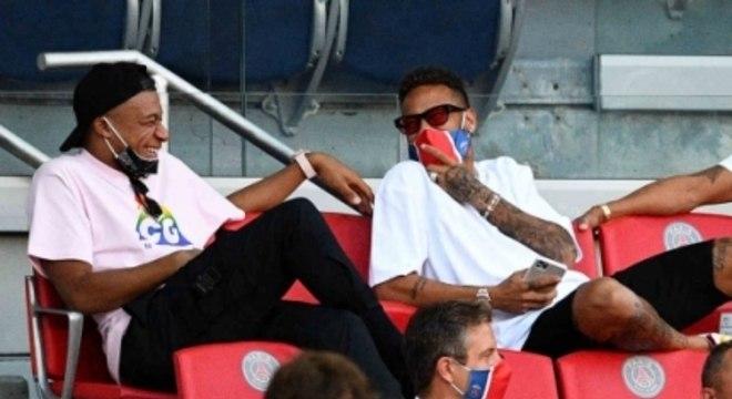 PSG x Sochaux - Neymar e Mbappé na arquibancada