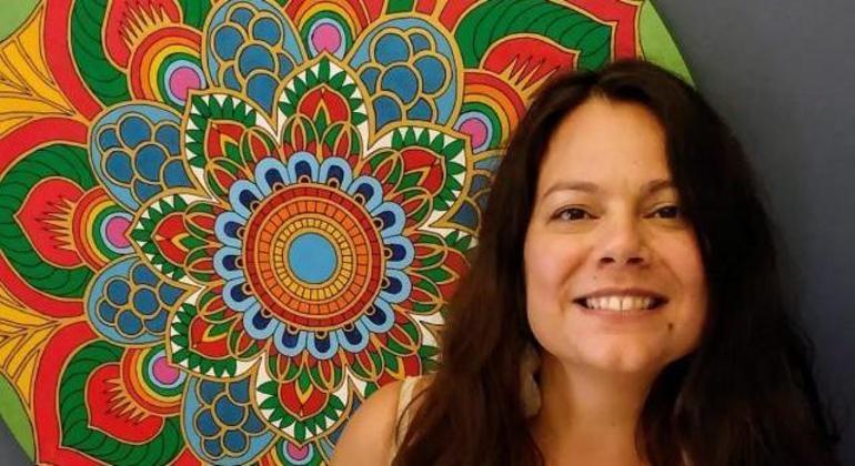 Lia Gonsales é voluntária no projeto 'Apoio Emocional' do Quero na Escola e Fundação SM