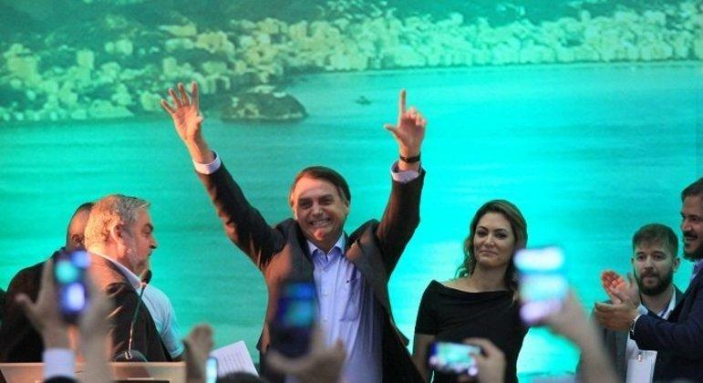 Bolsonaro faz o número 7 em lançamento de candidatura em 2018 pelo PSL, 17