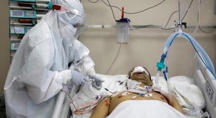 Paciente em ECMO é cuidado 24 horas por dia