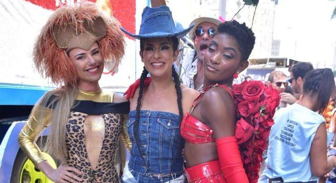 Natallia Rodrigues, Fernanda Paes Leme e Érika Januza arrasaram no bloco