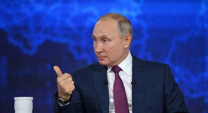 Putin finalmente revela que foi vacinado com a Sputnik V em fevereiro