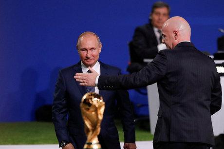 Putin celebrou chegada da Copa do Mundo na Rússia