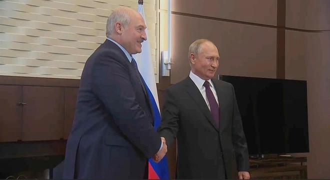 Putin e Lukashenko tiveram reunião na cidade russa de Sochi