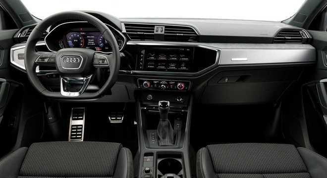 Para finalizar as mudanças visuais, a Audi equipou o modelo com os acabamentos internos na cor Black piano.