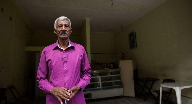 Após reintegração, o comerciante José dos Santos afirma que não tem para onde ir