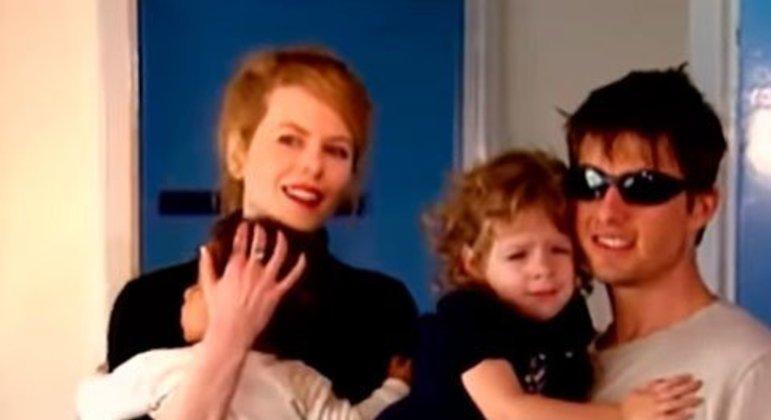 Quando estiveram juntos, os astros do cinema adotaram duas crianças: Isabella em 1994 e Connor no ano seguinte.