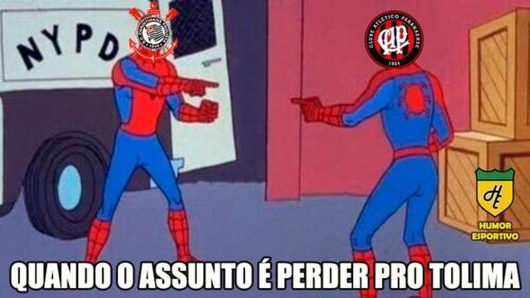 Quando o Athletico Paranaense perdeu para o Tolima na fase de grupos da Libertadores em 2019, o Corinthians também foi lembrado