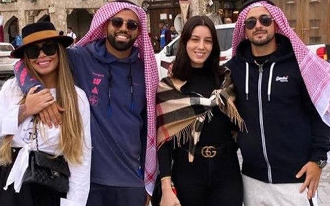 Quando o Flamengo foi disputar o Mundial de Clubes, Rafaella foi junto com o namorado para Doha, no Catar, para acompanhá-lo na competição.
