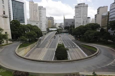 Isolamento deixa São Paulo vazia