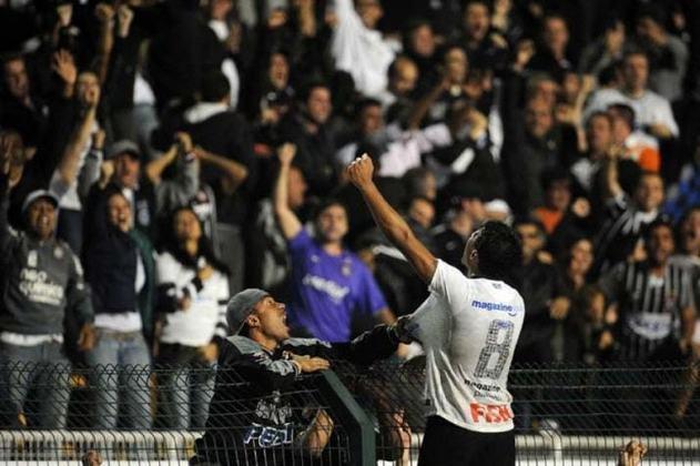 Quartas de final da Libertadores 2012 - Corinthians 1 x 0 Vasco - gol de Paulinho e defesa histórica de Cássio (23/5/2012)