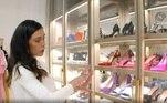 'O quarto da Flávia Pavanelli não é nem uma loja, é o shopping inteiro. Inveja é a única palavra que define', comentou mais uma seguidora