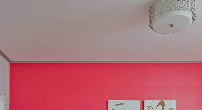 Quarto rosa pink com detalhes em cinza