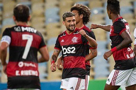 Flamengo comemora vitória sobre a Globo