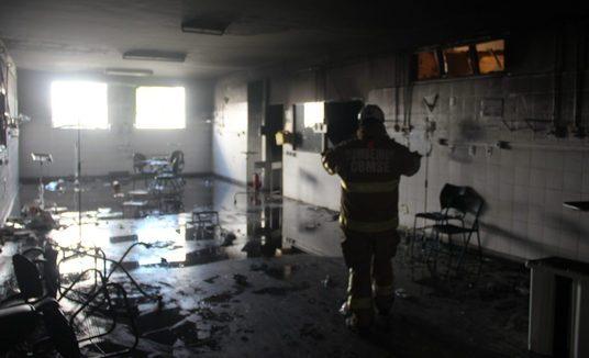 Quatro pacientes morrem após incêndio em ala de unidade que trata covid em Aracaju (SE) (Divulgação/Bombeiros)