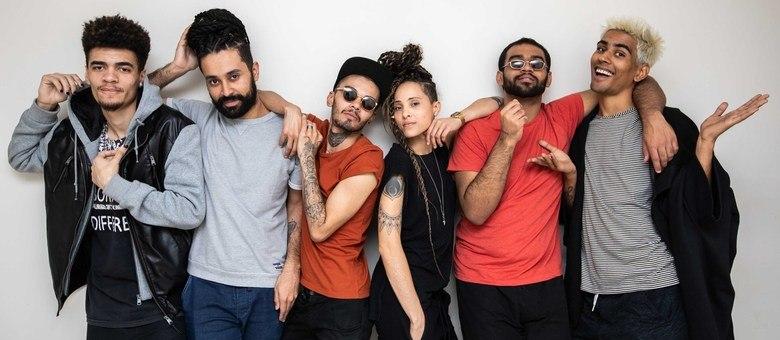 Quebrada Queer é formado por Zyess, Tchelo Gomez, Guigo, Apuke, Harlley e Lucas Boombeat