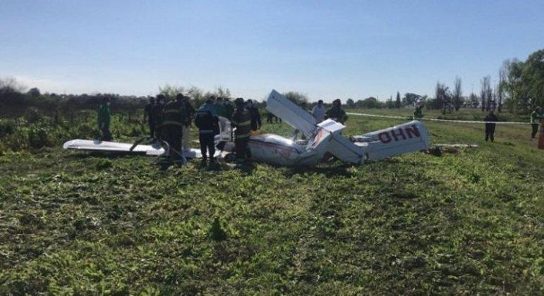 Aeronave com instrutor e aluno caiu a menos de 300 m da pista de pouso