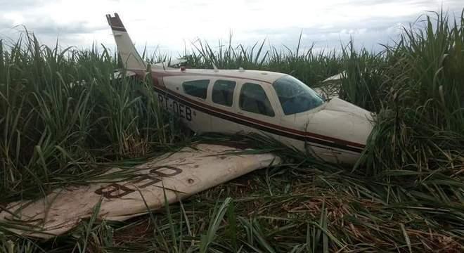 193f1f400e5a9 Avião de pequeno porte cai no interior de Minas Gerais após pane ...