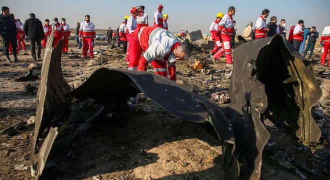 Avião da Ukranian Airlines foi abatido por foguetes iranianos