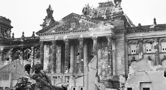 Não se pode comparar efeitos da guerra com pandemia, alerta historiadora