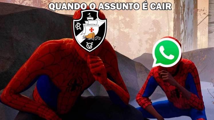 Queda de redes sociais vira inspiração para brincadeiras com clubes brasileiros