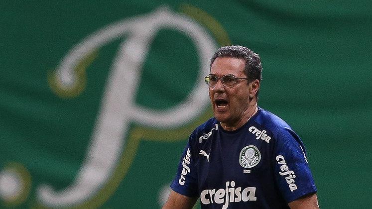 Queda do Luxa - Após a conquista do Paulistão, começou o Brasileirão. Os resultados e o desempenho pararam de aparecer e vieram as derrotas. Apesar de o Verdão chegar a atingir uma impressionante invencibilidade de 20 partidas (iniciada ainda no Estadual), eram muitos empates, o desempenho era ruim e a paciência da torcida ia se esgotando. A gota d'água foi uma sequência de três derrotas consecutivas (uma delas contra o rival São Paulo no Allianz Parque, quebrando um tabu que existia desde a construção do estádio): Luxemburgo não resistiu e foi demitido.