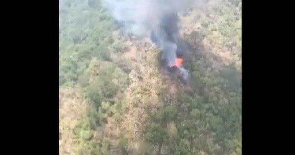Helicóptero da Marinha do México cai enquanto combatia incêndio