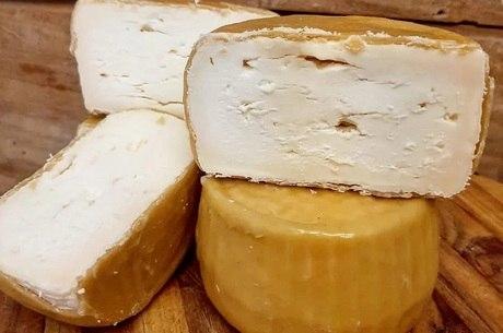 Pequenos produtores de queijo se adaptam ao novo mercado
