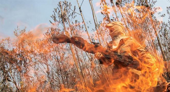Bolsonaro diz que desmatamentos e queimadas são culturais