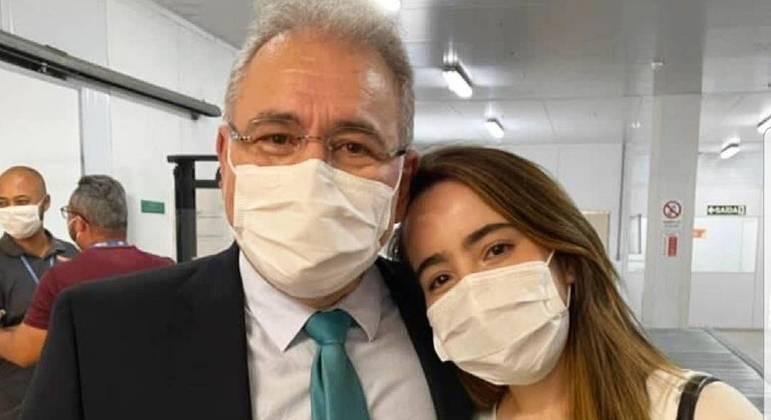 Daniella Queiroga lamentou mensagens de ódio contra o pai