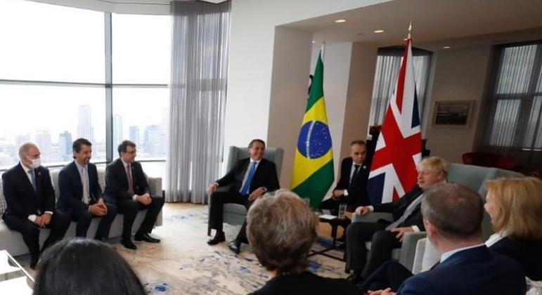 Queiroga era o único a usar máscara durante reunião de Bolsonaro com premiê britânico Boris Johnson