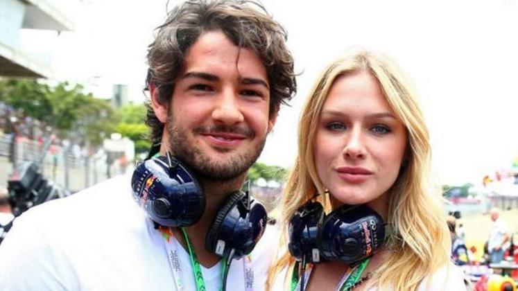 Quem também já esteve em um relacionamento com o jogador Pato foi a atriz global Fiorella Mattheis.