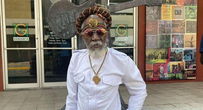 Causa da morte do percussionista e cantor não foi revelada pelas autoridades locais
