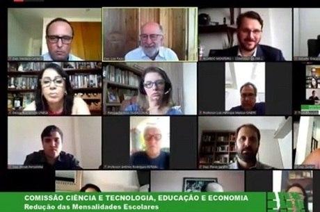 Deputados fizeram reunião virtual