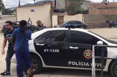 Homem foi preso no local de trabalho
