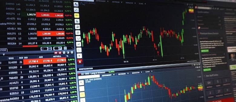Análise constante dos indicadores faz parte da rotina dos traders