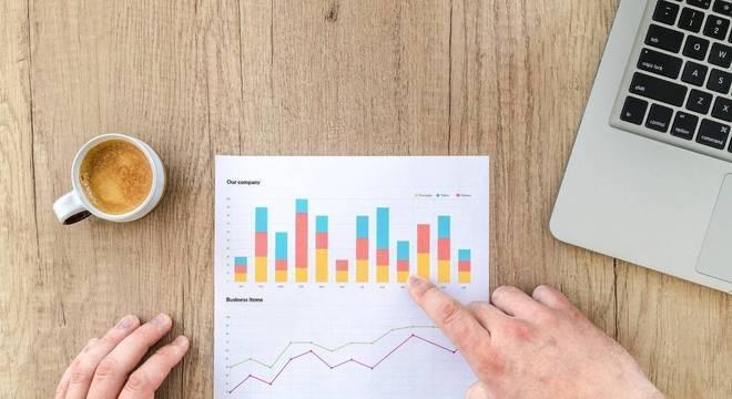 Chega de cálculos e previsões no papel: simule seu investimento online