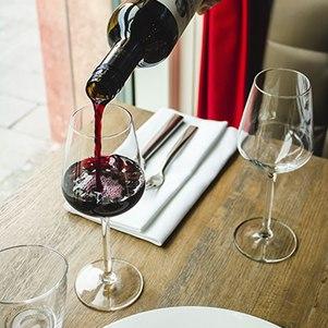 Cada tipo de vinho exige uma temperatura específica
