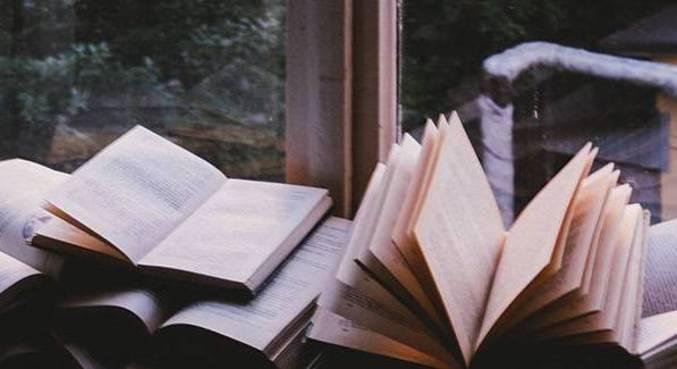 Lista resgata a importância da leitura e como podemos levar nossa imaginação a qualquer lugar